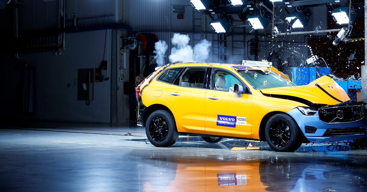 1515673513volvo_XC60_Crash_tests.jpg