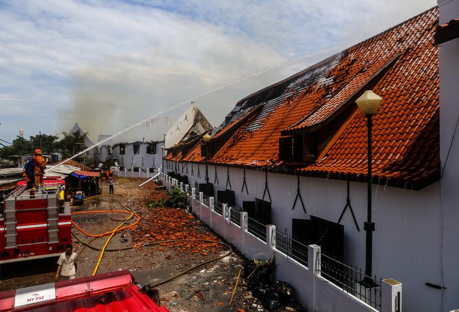 1516115455museum_bahari_terbakar.jpg