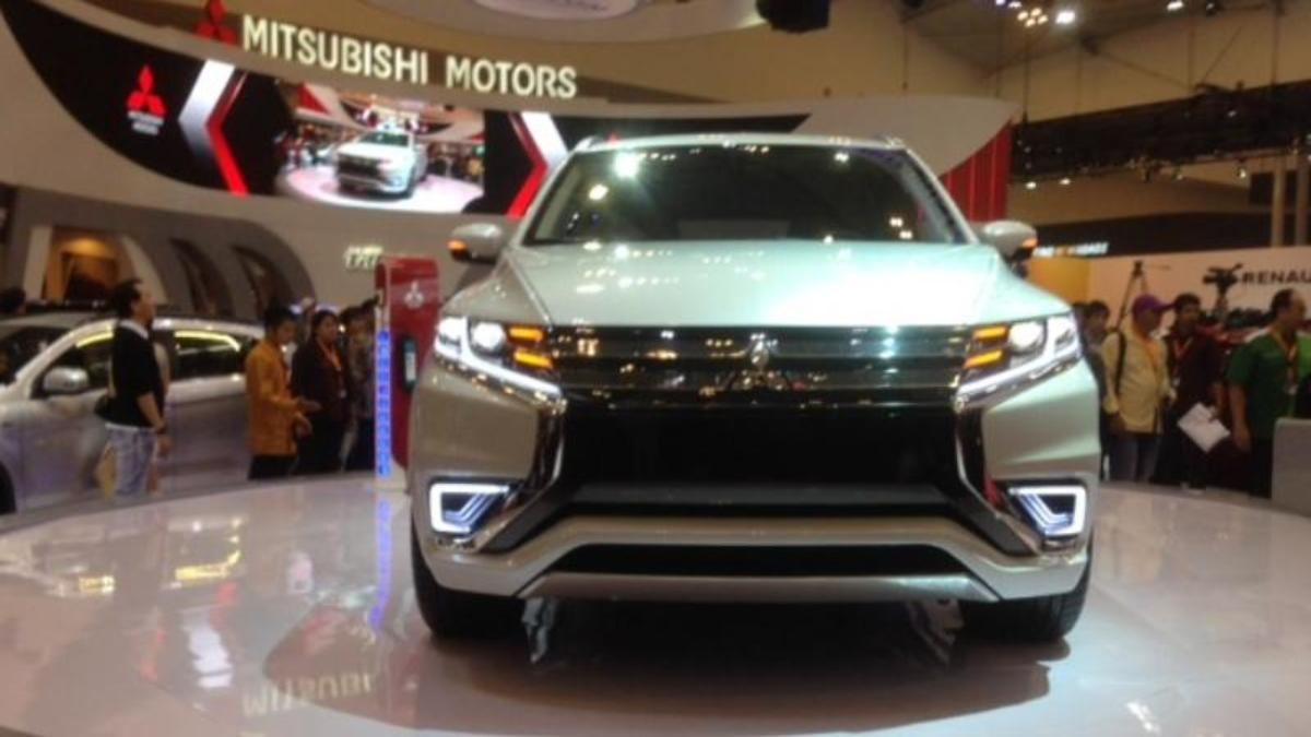 1518968281Outlander_adalah_salah_satu_mobil_listrik_produk_Mitsubishi-ji.jpg