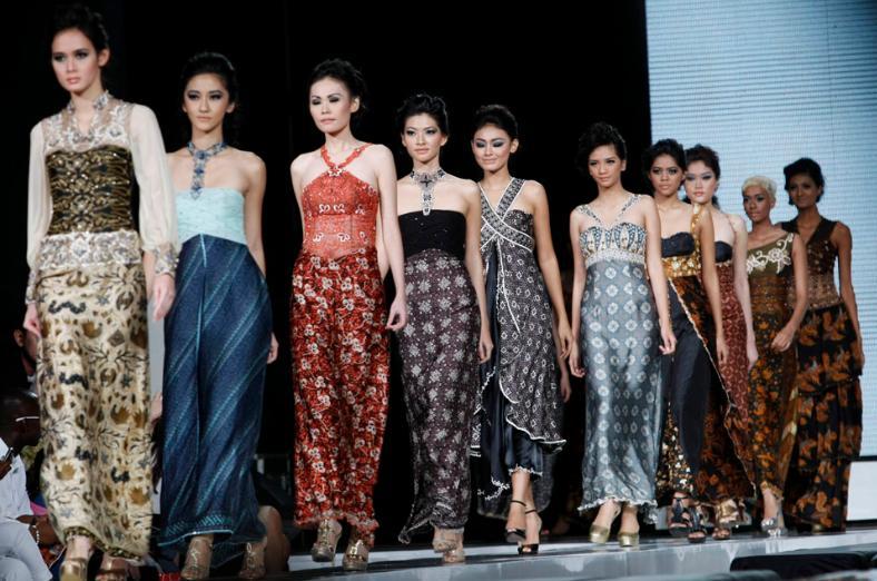 1522611610onlylaila_trend-batik.jpg