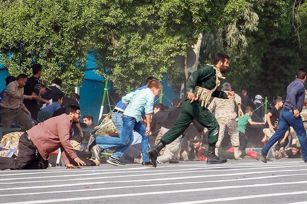 1537790251meski-bersitegang-mesir-kecam-serangan-teror-parade-militer-iran-E43.jpg