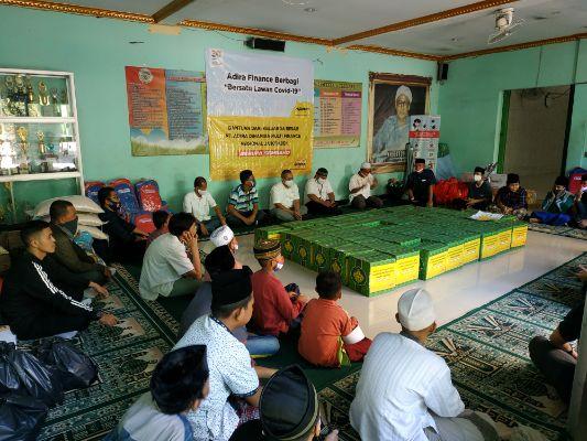 Adira Finance Berbagi Donasi di Panti Asuhan Al-Khairiyah Lawan Covid-19