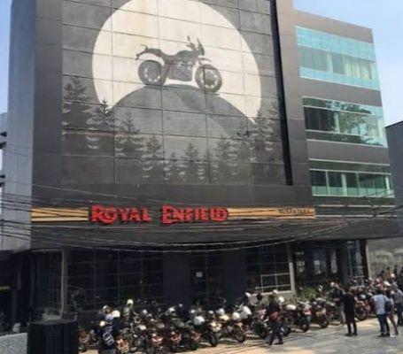 Royal Enfield Buka Flagship Store Pertama di Jakarta