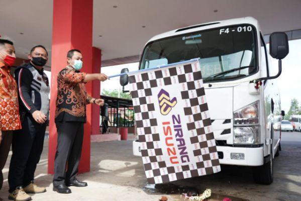Pemerintah Semarang Resmikan Pengoperasian 17 Bus Feeder Isuzu