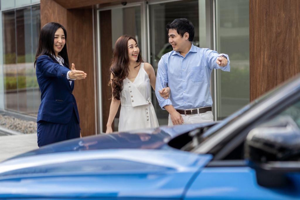 4 Tips Kriteria Mobil Pertama yang Pas Bagi Pasangan Muda