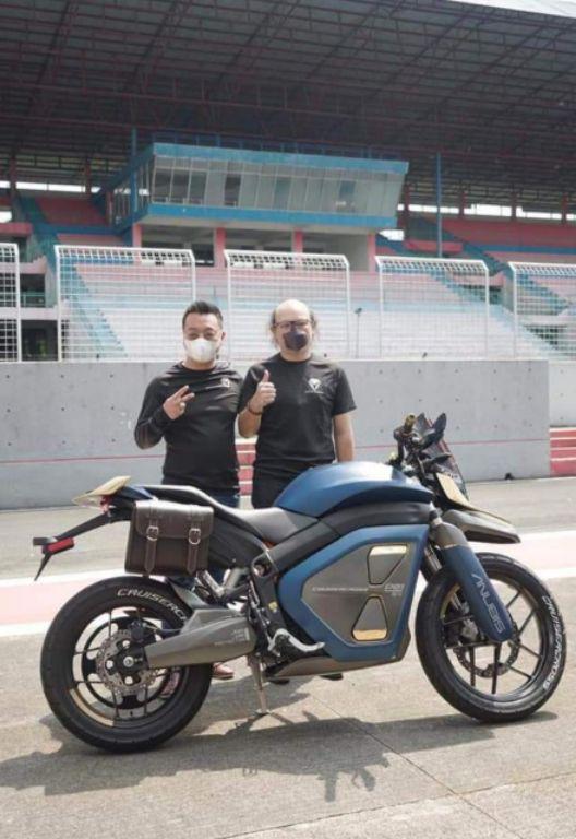 Anubis Cruisercross, Sepeda Motor Listrik Bergaya Adventure Futuristic