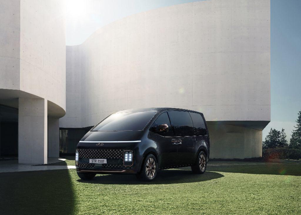 Hyundai STARIA, Perintis Mobilitas Masa Depan dengan Keamanan dan Fleksibilitas