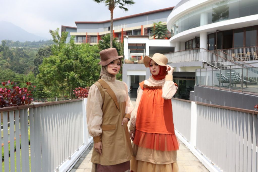Gelar Virtual Fashion Show Bertemakan Symphony of Ramadan, Pesona Alam Resort & Spa Gandeng Islamic Fashion Institute