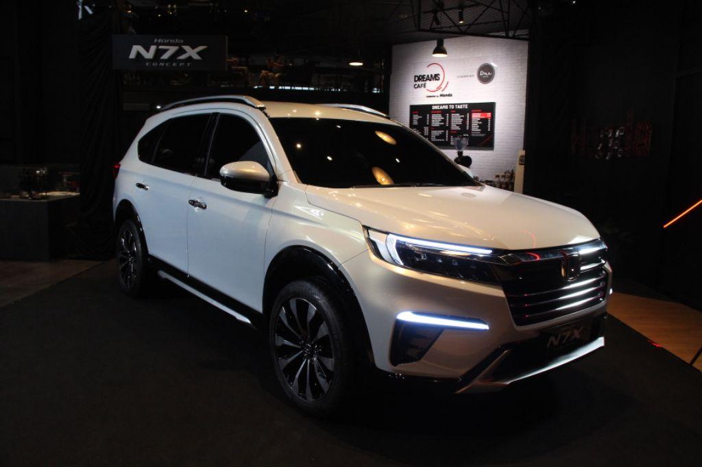 Mobil Konsep Honda N7XTampil untuk Umum di Dreams Cafe Jakarta