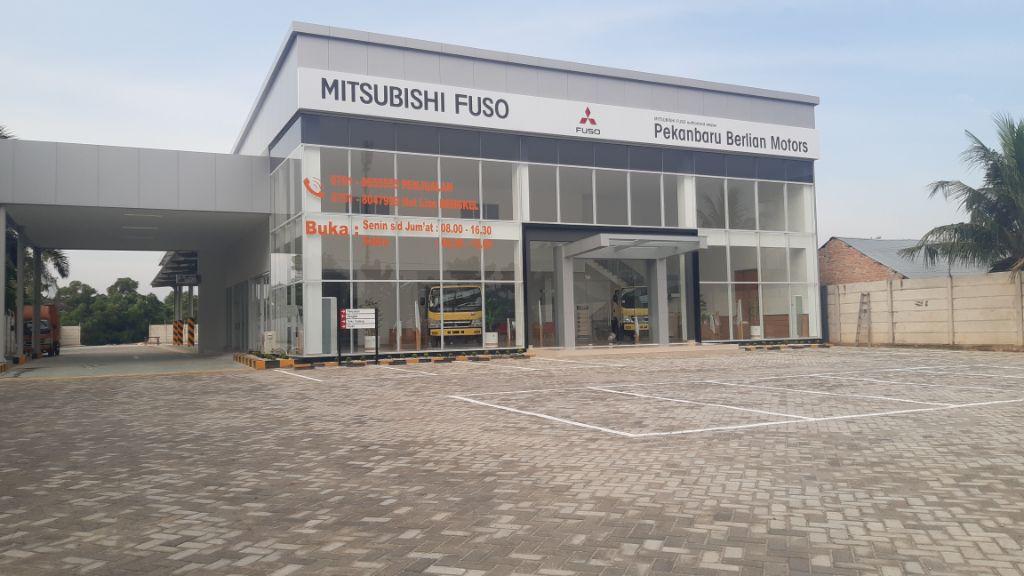 Resmikan Jaringan Diler ke-54 di Pekanbaru, Mitsubishi Fuso Perkuat Kehadirannya di Pulau Sumatera