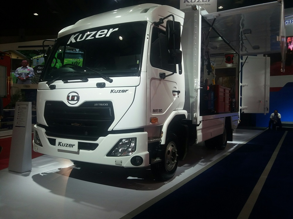 Astra_UD_Trucks,_KUZER.jpg