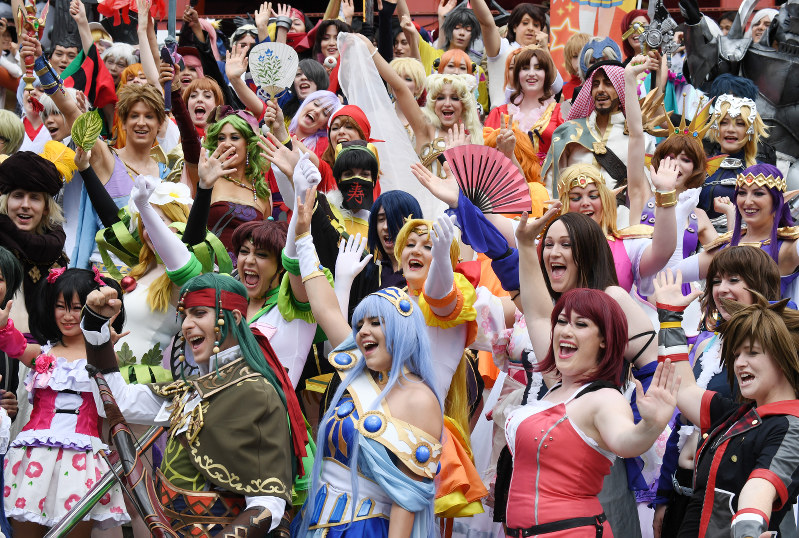 COSPLAY-CROWD2.jpg