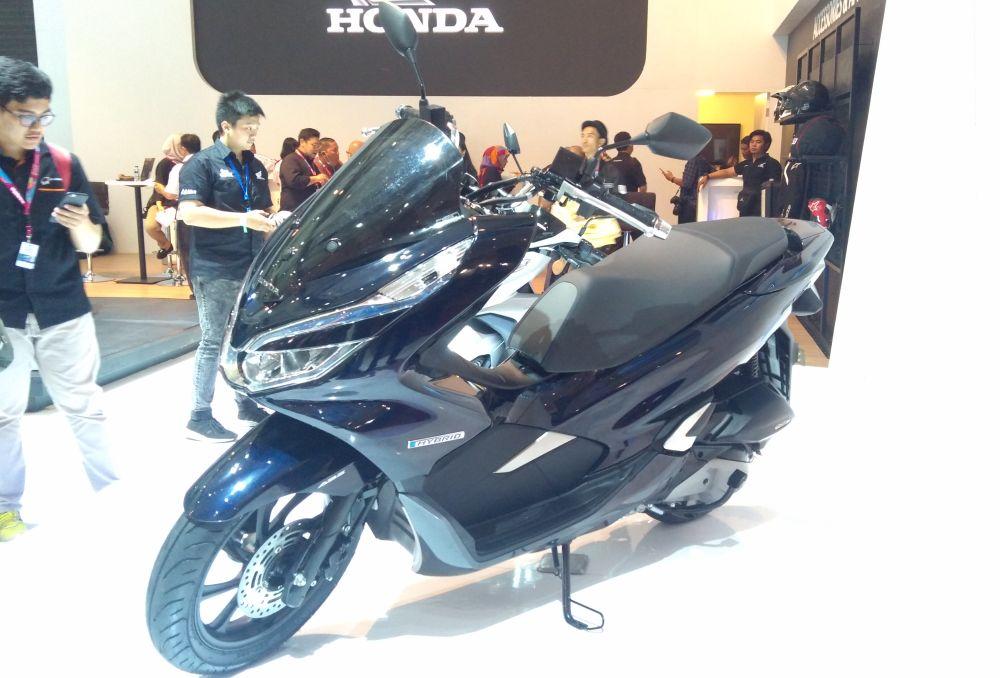 Honda_PCX_Hibryd_2018-IIMS.jpg
