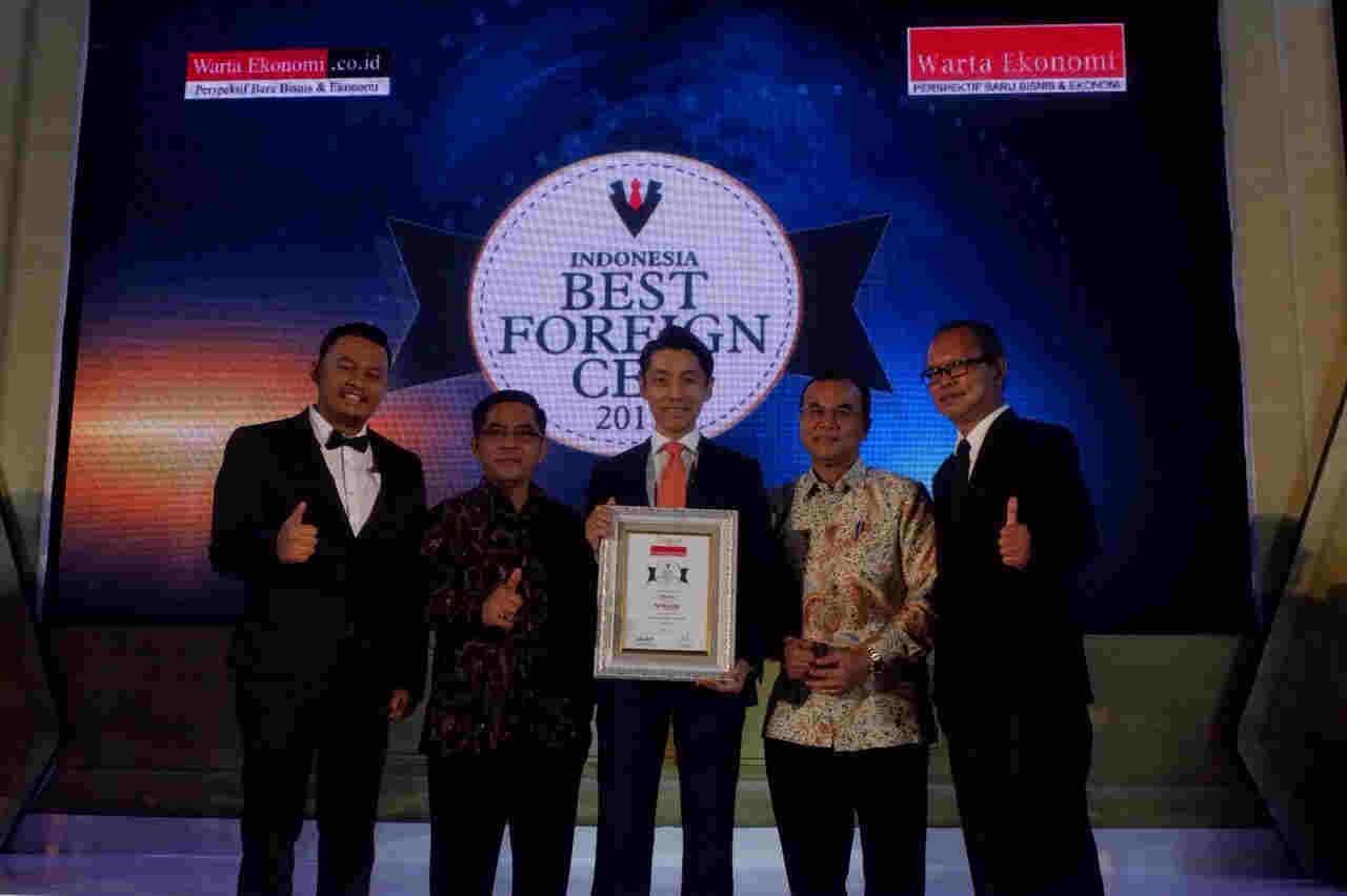 "Eiichi Koito Raih Penghargaan CEO Paling Populer dalam ""Indonesia Best Foreign CEO 2017"""