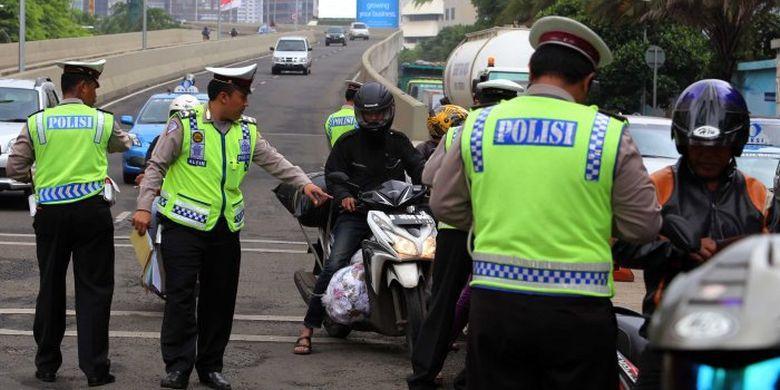 Begini Tips Agar Lolos Tilang Polisi Operasi Keselamatan 2018