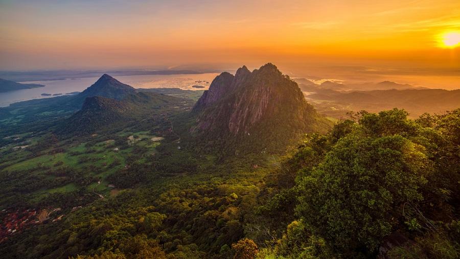 Indahnya Nikmati Sunrise Paling Memorable di Purwakarta