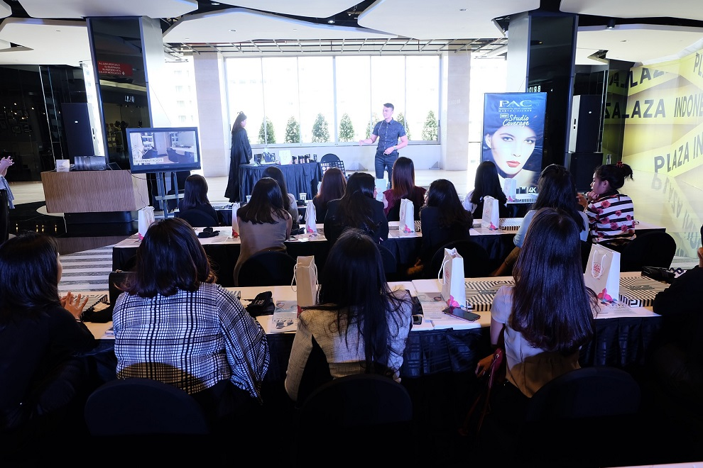 Kelas Kecantikan 'Well Groomed Interview Look' Meriahkan Plaza Indonesia Beauty Week 2018