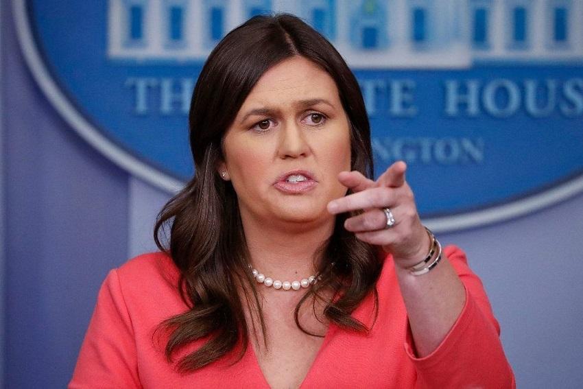 Karena Alasan Ini, Juru Bicara Gedung Putih Diusir Dari Restoran