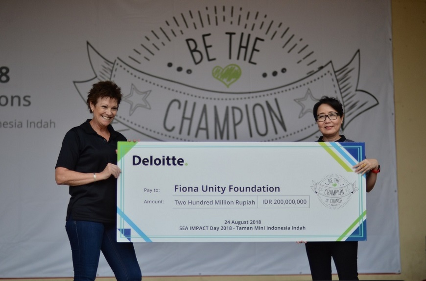'Impact Day 2018' Deloitte Indonesia Serahkan Bantuan Anak ke NTB dan Papua