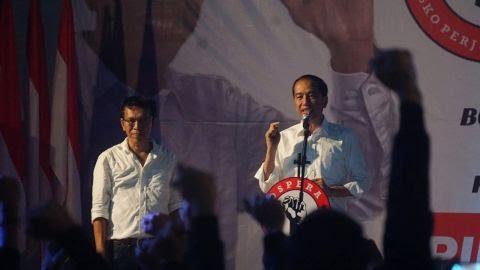 Beri Arahan Relawan, Jokowi: Tidak Bisa Kerja Ngawang, Harus Konkret