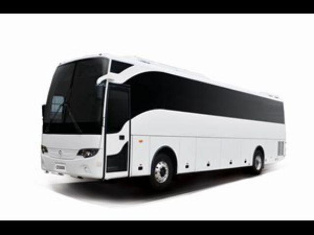 Layani Transportasi Jarak Menengah Dan Jauh, Mercedes-Benz Luncurkan 2 Bus Terbarunya!