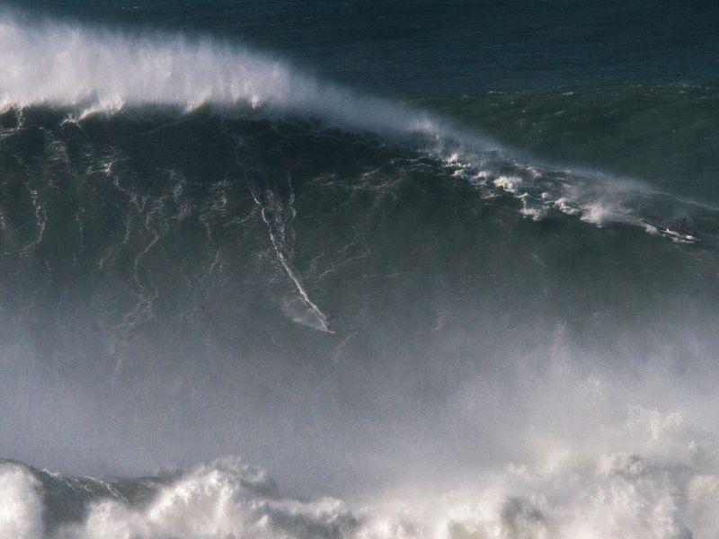 BMKG: Waspada Gelombang Setinggi 4 Meter di Sejumlah Perairan