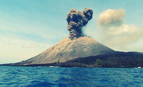 Aktivitas Gunung Anak Krakatau Menurun, Status Masih Siaga