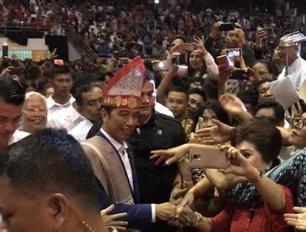 Pesan Jokowi Bagi Umat Kristiani Saat Hadiri Perayaan Natal Nasional di Medan