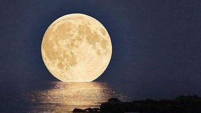 BMKG Nyatakan Fenomena Supermoon dan Bulan Purnama Berpotensi Mengganggu Pelayaran
