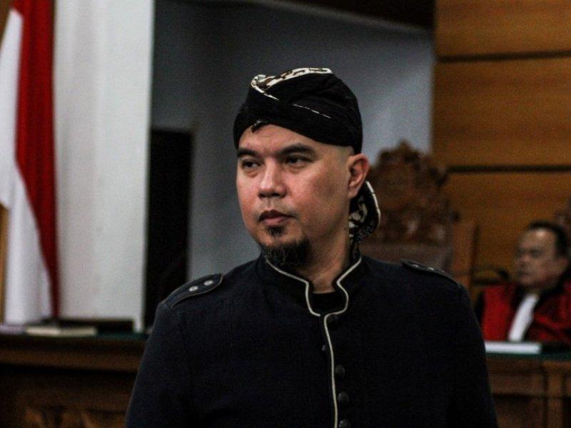 Terbukti Bersalah, Ahmad Dhani Divonis 18 Bulan Kurungan