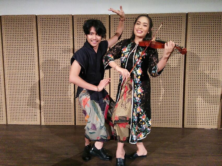 Mia Kiel Padukan Nyanyian, Tari Kontemporer dan Biola Lewat Karya 'Tentang Kami', Simak Videonya!