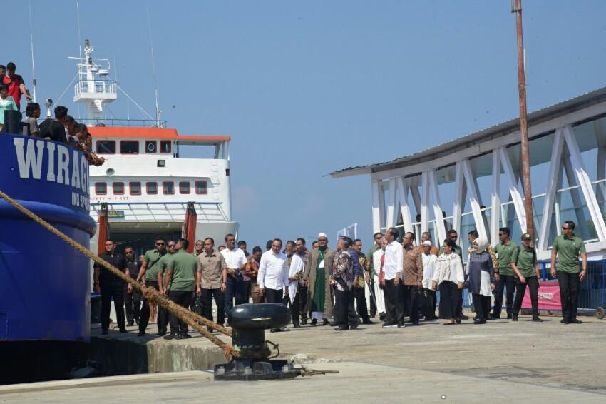 Pelabuhan Sibolga Resmi Beroperasi Setelah Dibuka Presiden Jokowi