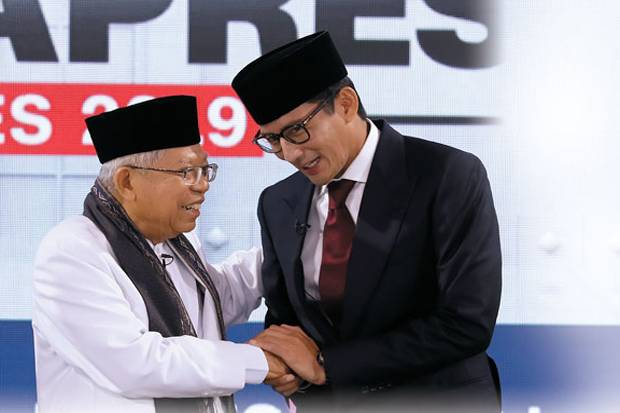 Keluarkan e-KTP di Debat Cawapres, Sandiaga Sindir 3 Kartu Sakti Jokowi
