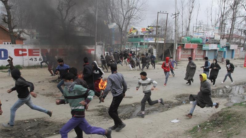 Guru Tewas di Tahanan Picu Bentrokan di Kashmir