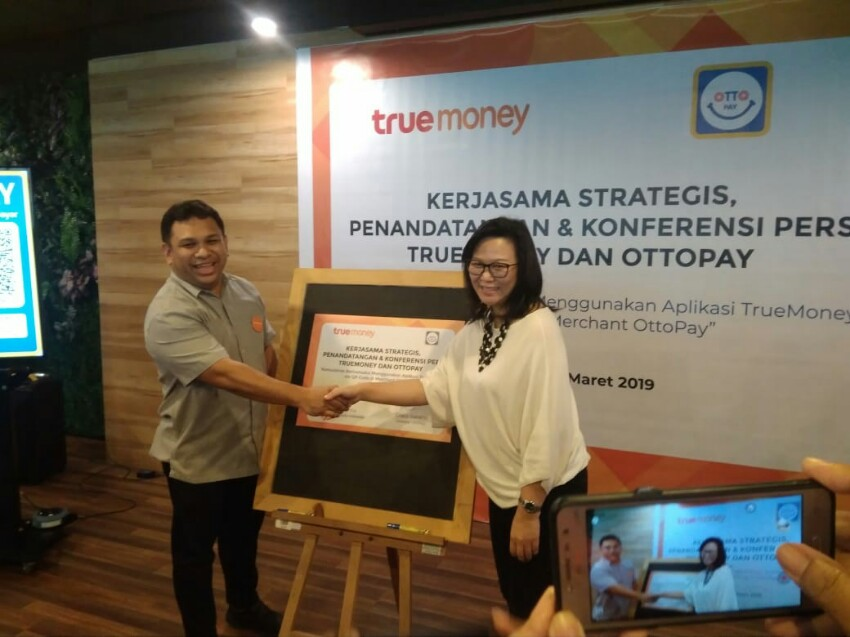 Kolaborasi TrueMoney dan OttoPay Mudahkan Transaksi Lewat QR Code