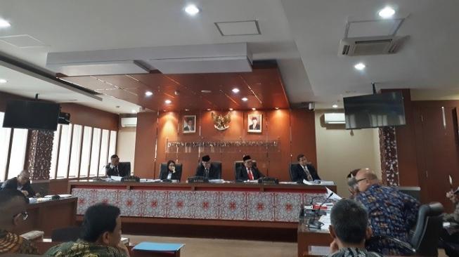 Disidang DKPP, Ketua KPU Pariaman Abrar Azis Akui Pertemuan Dengan Dahnil Anzar