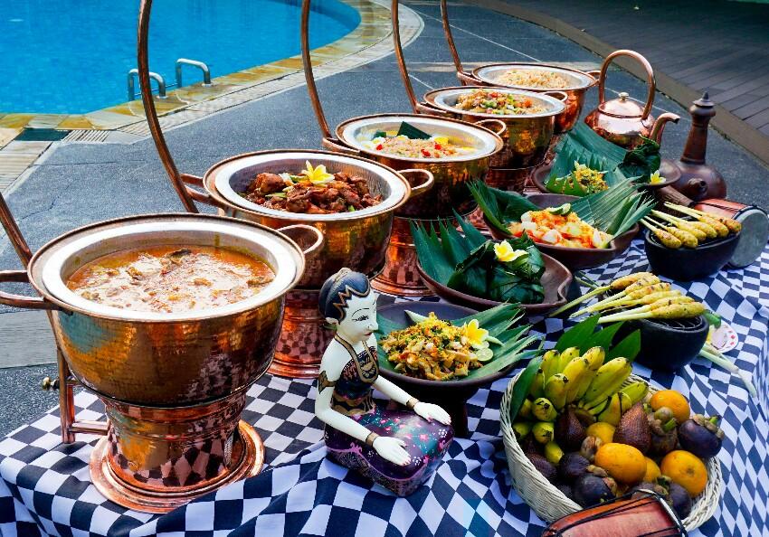 Kangen Suasana dan Kuliner Khas Bali? Yuk Mampir ke Harris Hotel Tebet!