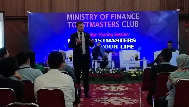 David Templeman Hadiri Langsung Knowledge Sharing Session Toastmasters yang Diadakan BKF