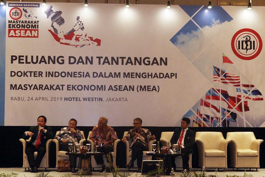 Hadapi Tantangan MEA, IDI: Dokter Indonesia Harus Setara Dokter Asing