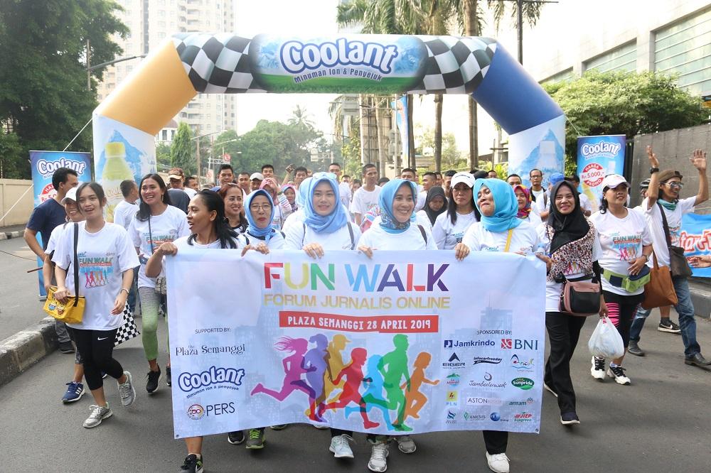 Fun Walk Forum Jurnalis Online Ramaikan HUT Plaza Semanggi