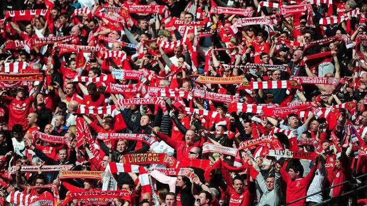 Fans Liverpool Bikin Geram Warga Barcelona, Kepala Turis Disiram Minuman