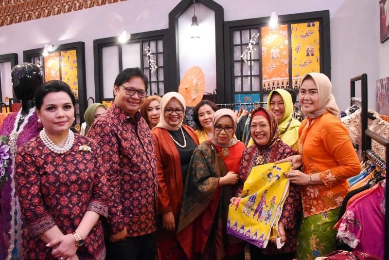 Menperin Targetkan Industri Batik 2019 Naik Hingga 8 Persen