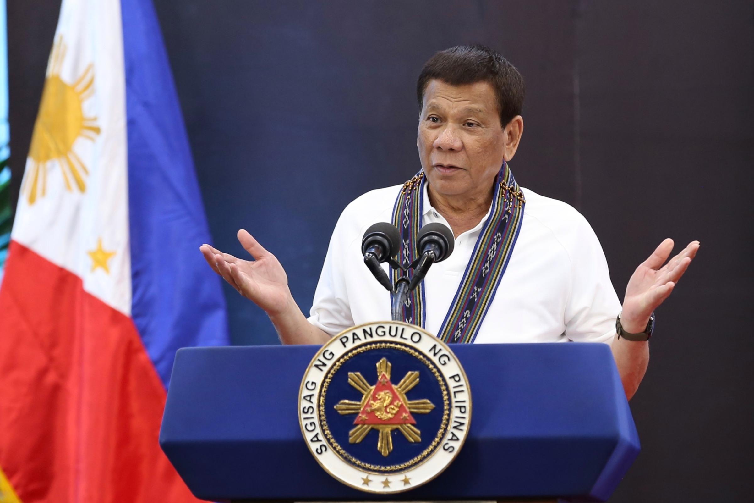 Dihinggapi Kecoa Saat Pidato, Begini Reaksi Presiden Filipina!
