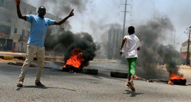 Pasukan Keamanan Serbu Kamp Demonstran di Sudan, 13 Orang Tewas