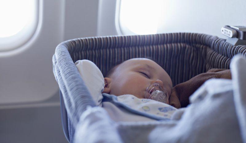 Ingin Ajak Si Buah Hati Naik Pesawat? Ini Tipsnya!