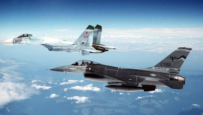 Pesawat Tempur Su-27 Rusia Cegat Jet Pengintai AS dan Swedia