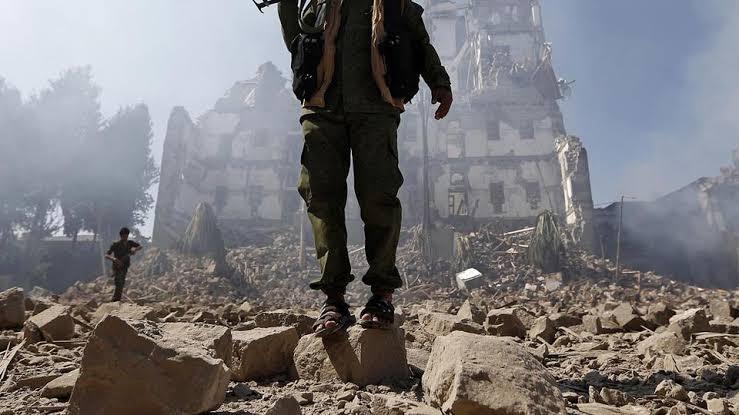 Koalisi Saudi Hantam Posisi Houthi di Ibukota Yaman