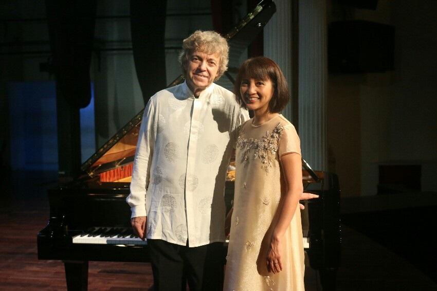 Duo Pianis Prancis Pascal dan Ami Roge Buka Rangkaian Heritage Concert The Grand Signature Piano