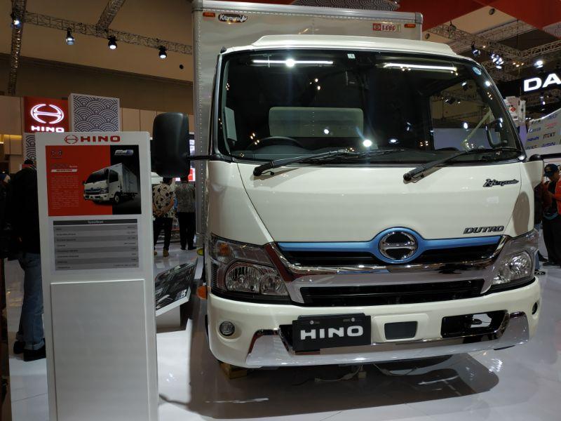 Hino Kenalkan Dutro Hybrid Sebagai Truk Ramah Lingkungan