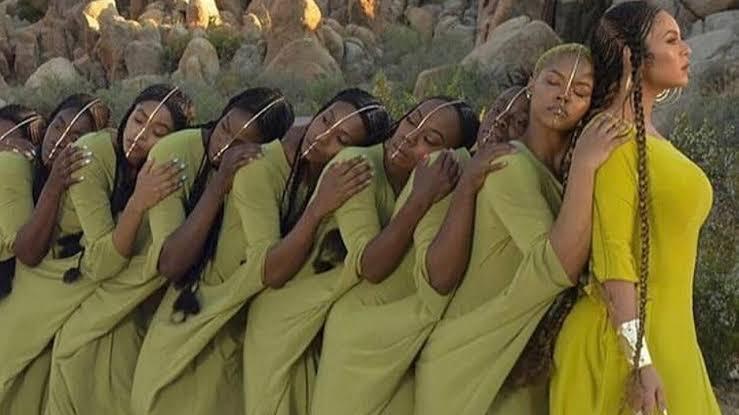 Beyonce Kenakan Baju Karya Designer Lebanon di Video Klip Lion King
